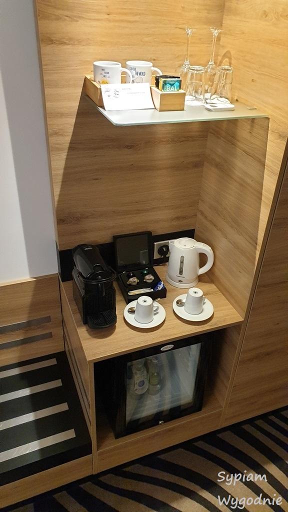 zestaw kaw i herbat w Novotel Warszawa Airport