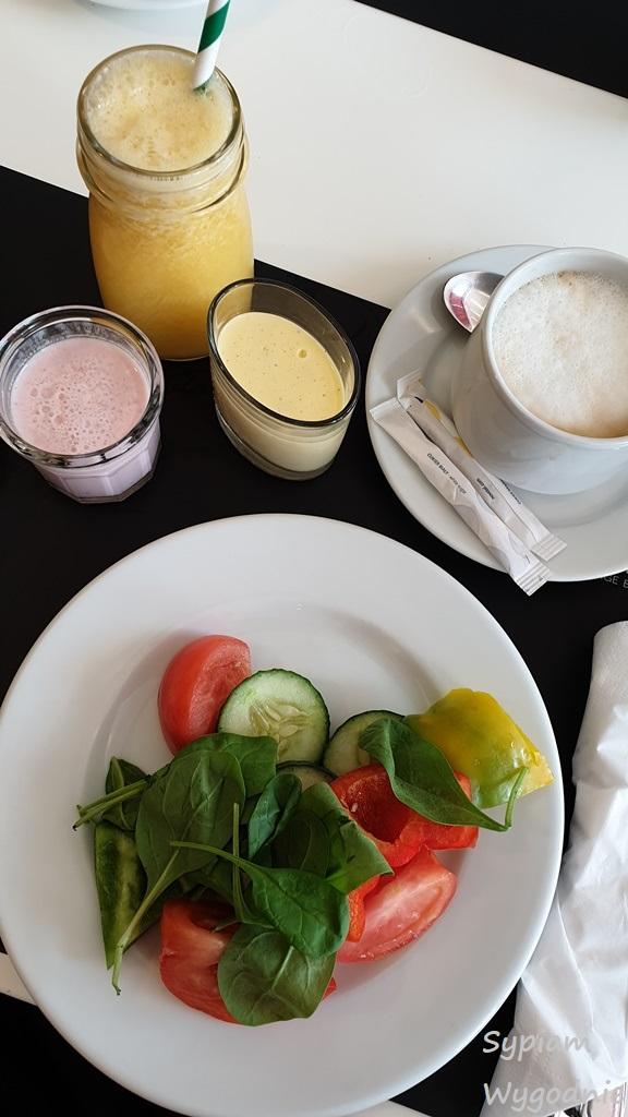 śniadanie w Novotel Warszawa Airport